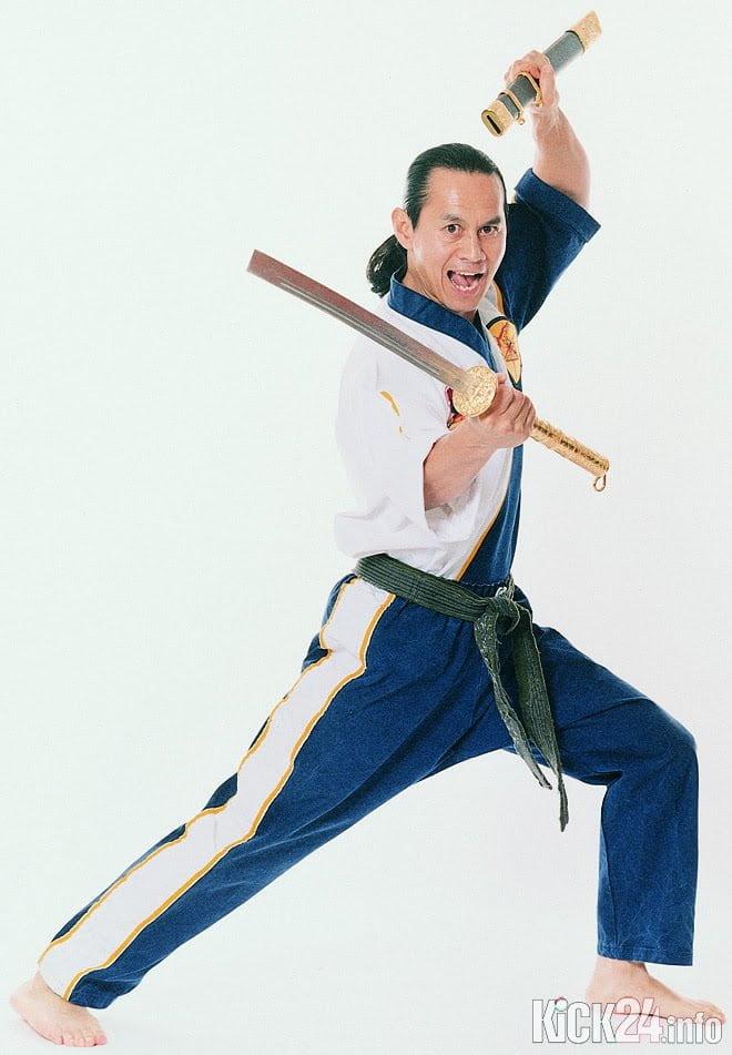 Waffentechnik mit Schwert