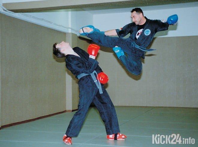 Jumpkick Freddy Kleinschwärzer